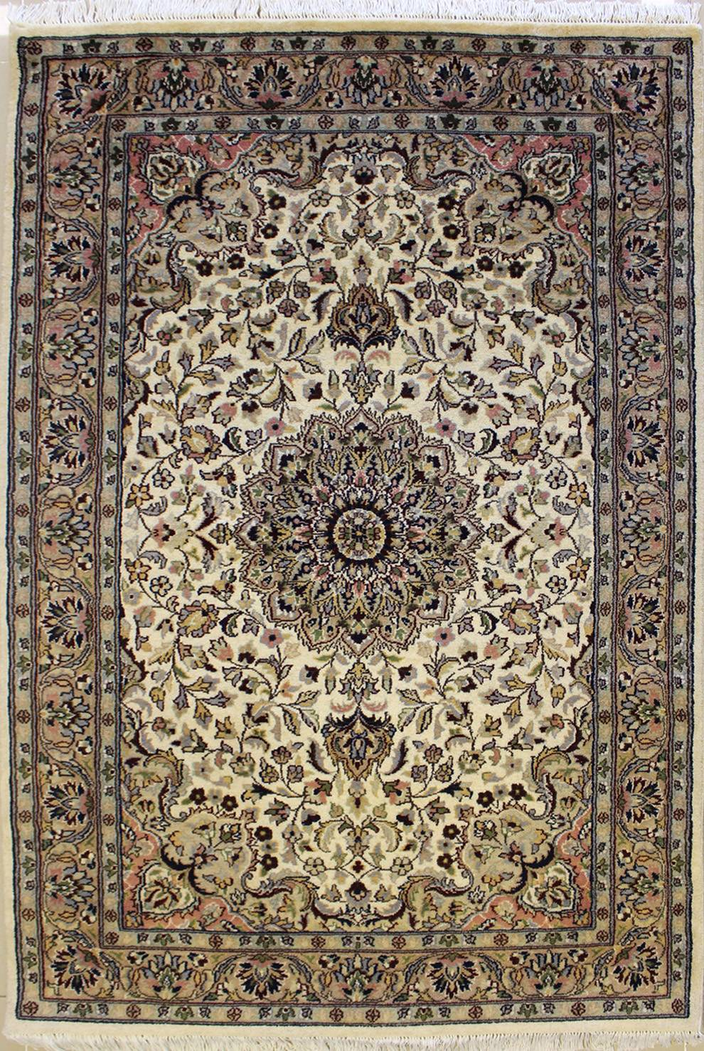 "4'0""x6'3"" Pak Persian Design Ivory White Color"